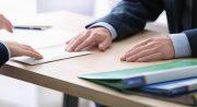 Letra pequeña en préstamos: 10 trampas que debes revisar